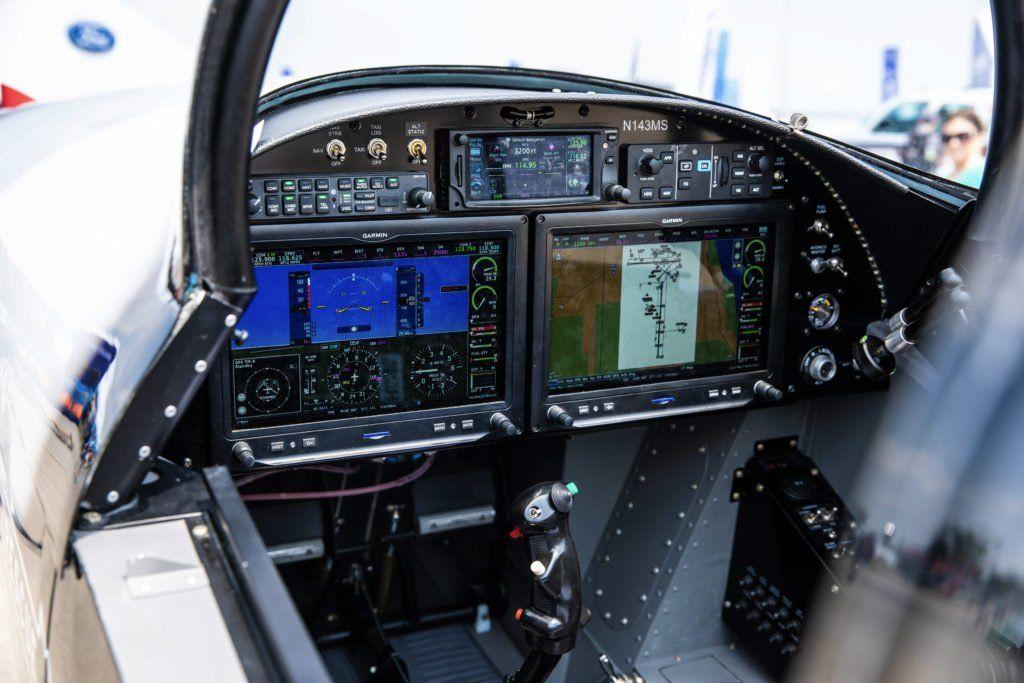 Avionics panel
